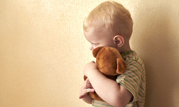 Παιδική κακοποίηση: Μην αγνοείτε τα σημάδια που «φωνάζουν»