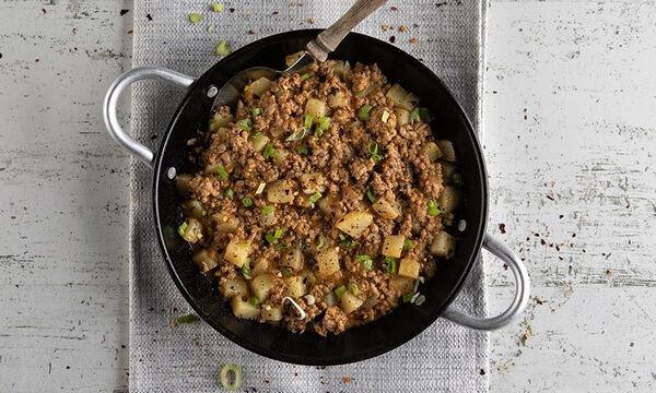 Σας περίσσεψε κιμάς; Φτιάξτε τον με πατάτες στο τηγάνι