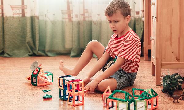Κορονοϊός: Πώς θα καθαρίσετε τα παιχνίδια & τα αντικείμενα των παιδιών σας