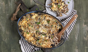 Συνταγή για light σουφλέ με μακαρόνια στον φούρνο από τον Άκη Πετρετζίκη