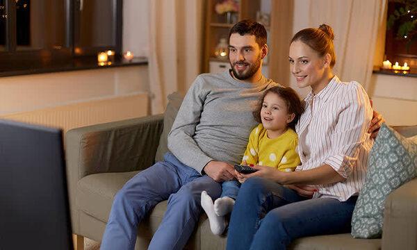Οργανώνοντας μια σινεφίλ οικογενειακή βραδιά στο σπίτι