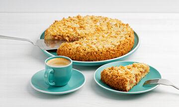 Κέικ αμυγδάλου με μήλα - Ό,τι πρέπει για τον απογευματινό σας καφέ