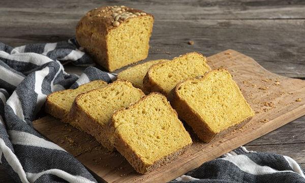 Σπιτικό ψωμί με γραβιέρα και καρότο - Θα το λατρέψουν όλοι στο σπίτι