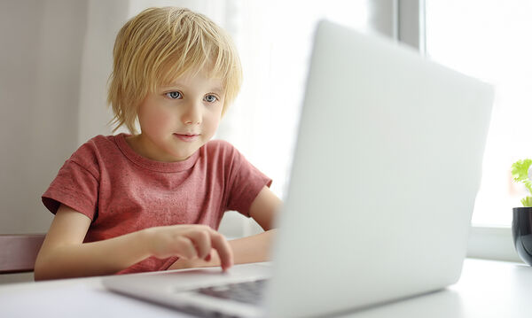 Διαδικτυακές εκπαιδευτικές και ψυχαγωγικές δράσεις για παιδιά και εφήβους