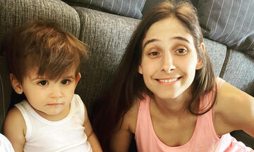 Φωτεινή Αθερίδου: Δείτε την αντίδραση του γιου της όταν ακούει βιολί (vid)