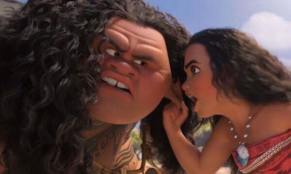 Αν αγαπάς τη Βαϊάνα, θα λιώσεις βλέποντας τον Rock να τραγουδά στην κόρη του