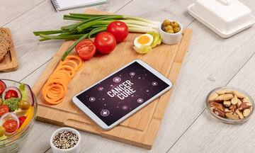 Αντικαρκινική διατροφή: Ποιες τροφές πρέπει να καταναλώνετε τακτικά (εικόνες)