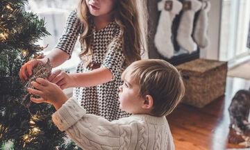 Γιορτές στο σπίτι: Πώς θα κάνουμε τα φετινά, διαφορετικά Χριστούγεννα πιο όμορφα για τα παιδιά