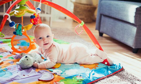 Τι μπορείτε να παίξετε με ένα μωρό 3 μηνών