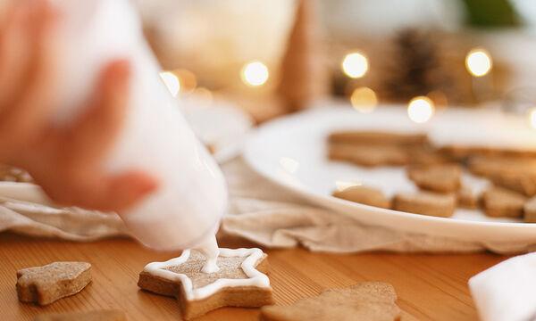 Φτιάξτε με τα παιδιά σας λαχταριστά μπισκότα αστεράκια με γλάσο (vid)