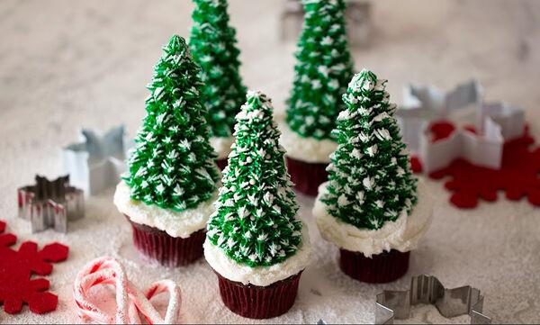 Σοκολατένια cupcakes-δεντράκια για να φτιάξετε με τα παιδιά