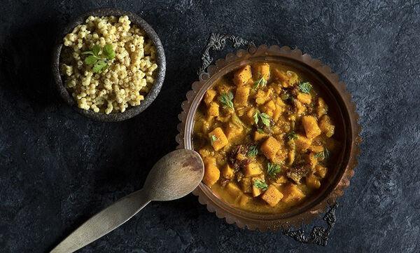 Σούπα με κάρι και γλυκοπατάτες από τον Άκη Πετρετζίκη