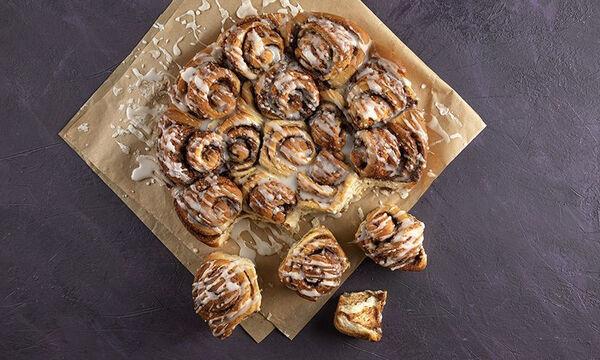 Η συνταγή του Άκη για τα πιο αφράτα και λαχταριστά cinnamon rolls