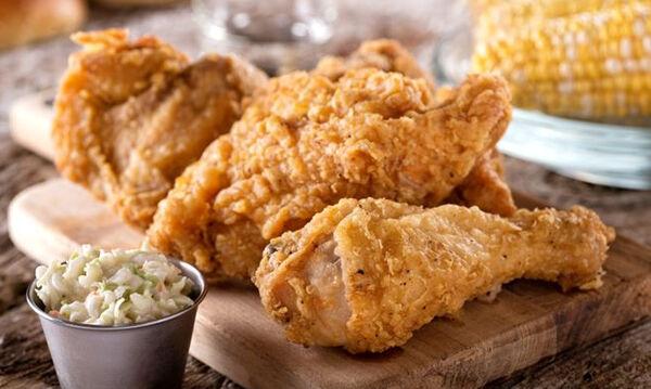 Η υγιεινή συνταγή της ημέρας: Τραγανά κοπανάκια κοτόπουλου στον φούρνο για τα παιδιά