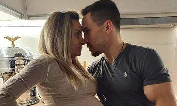 Λευτέρης Πετρούνιας: Φωτογραφίζεται αγκαλιά με την νεογέννητη κόρη του