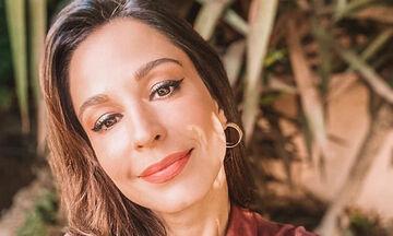 Κατερίνα Παπουτσάκη: Στόλισε και ο γιος της έβαλε το αστέρι στο δέντρο