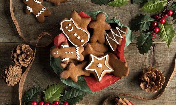 Gingerbread cookies χωρίς προσθήκη ζάχαρης από τον Άκη Πετρετζίκη
