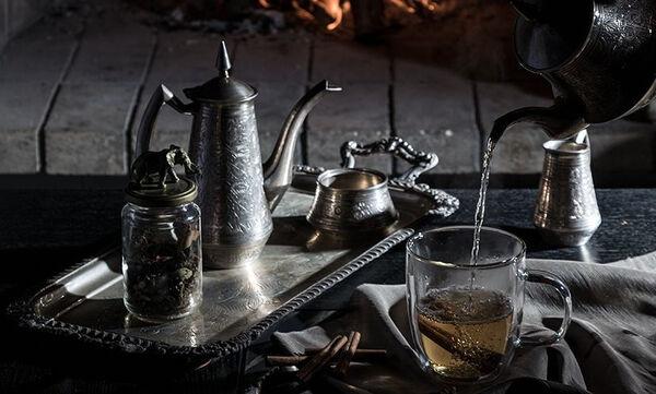 Τσάι με άρωμα... Χριστουγέννων από τον Άκη Πετρετζίκη