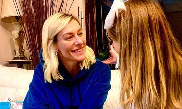 Ζέτα Δούκα: Η κόρη της τακτοποιεί τα παιχνίδια μαζί με τον μπαμπά της