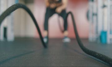 Το πιο γρήγορο πρόγραμμα γυμναστικής για να «κάψεις» τα μελομακάρονα