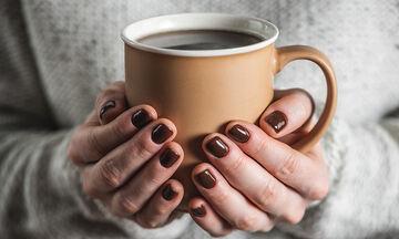 Tips για μαμάδες: Έτσι θα εξαφανίσετε τον λεκέ από καφέ μια για πάντα