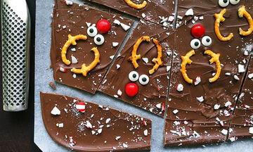 Σπιτική χριστουγεννιάτικη σοκολάτα υγειάς που θα φτιάξετε με τα παιδιά