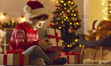 «Αν δεν είσαι καλό παιδί δεν θα σου φέρει δώρο ο Άγιος Βασίλης»