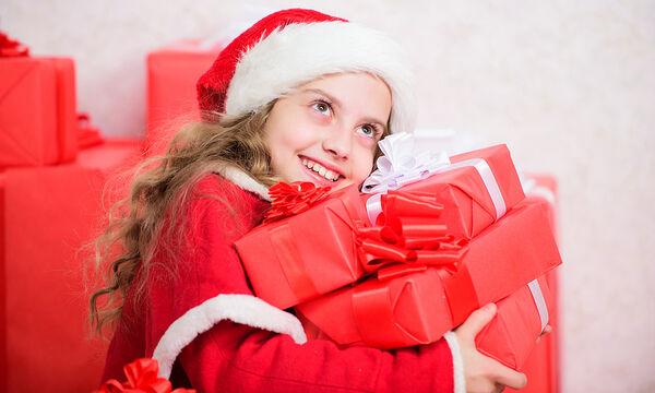 Πόσα δώρα είναι αρκετά για ένα παιδί στις γιορτές;
