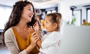 Πώς ο αριθμός των παιδιών επηρεάζει τον ρυθμό γήρανσης της μητέρας;