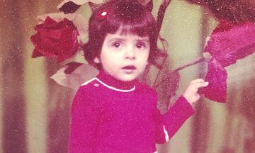 Ποια γνωστή Ελληνίδα ηθοποιός είναι το κοριτσάκι της φωτογραφίας;