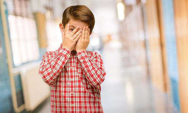 Ντροπαλό παιδί: Πώς να το βοηθήσετε
