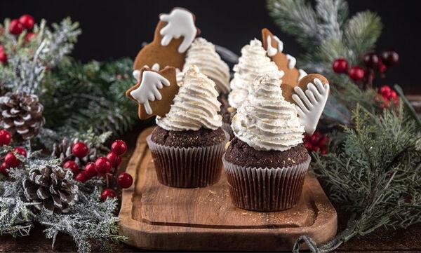 Χριστουγεννιάτικα cupcakes από τον Άκη Πετρετζίκη