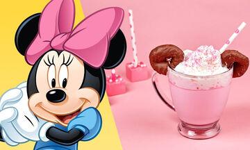 Το χριστουγεννιάτικο ροζ ζεστό κακάο της Minnie Mouse