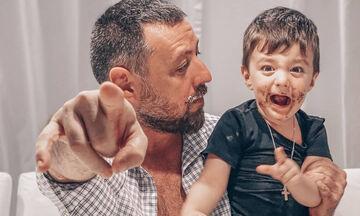 Το ξεκαρδιστικό βίντεο με τον γιο του Μάνου Παπαγιάννη που πρέπει να δείτε