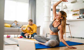 Γυμναστική για μαμάδες: Workout 30 λεπτών για δυνατά πόδια