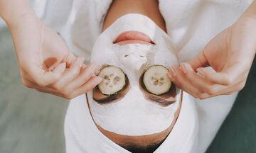 Tips για μαμάδες: Μάσκα προσώπου με μέλι και κανέλα για βαθύ καθαρισμό