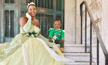 Μαμά και γιος ντύθηκαν ως ήρωες της Disney και έγιναν viral (pics)