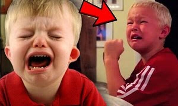 Κακομαθημένα παιδιά κλαίνε πάνω από τα χριστουγεννιάτικα δώρα τους (vid)