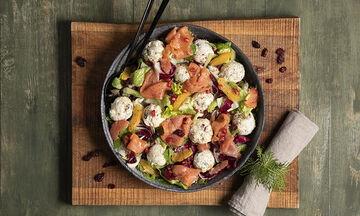 Σαλάτα με μπαλίτσες τυριού - Ιδανική για το πρωτοχρονιάτικο τραπέζι