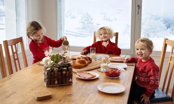 Έξι διαφορετικές συνταγές για λαχταριστό πρωινό με τρία μόνο υλικά (vid)