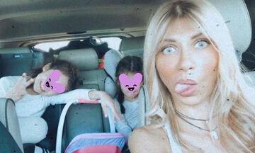 Σάντυ Κουτσοσταμάτη: Η σπάνια φωτογραφία με τον άνδρα και τις κόρες της
