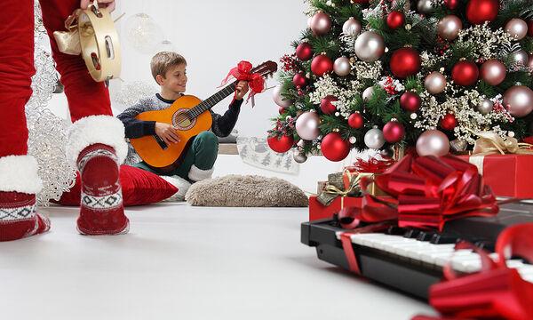 Παιδικά πρωτοχρονιάτικα τραγούδια για να υποδεχτείτε τη νέα χρονιά