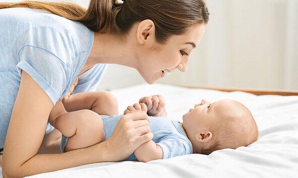 Πώς να βοηθήσετε το μωρό σας να μιλήσει πιο γρήγορα