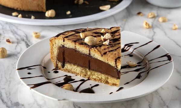 Συνταγή για σοκολατένια πάστα φλώρα που θα λατρέψουν τα παιδιά