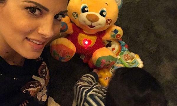 Σταματίνα Τσιμτσιλή: Έτσι ευχήθηκε στον γιο της για τη γιορτή του