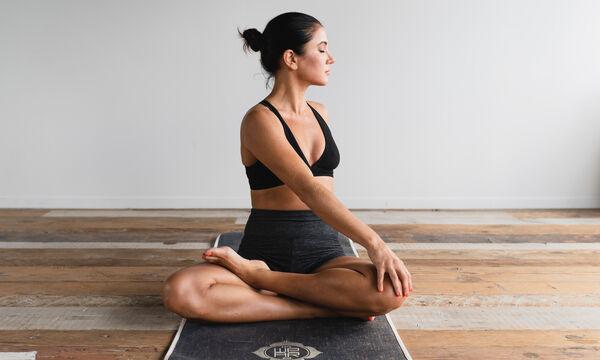 Αισθάνεσαι πιασμένη τις τελευταίες ημέρες; Κάνε stretching μόνη σου