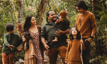 Αυτή η οικογένεια με τα πέντε παιδιά έγινε viral και υπάρχει λόγος