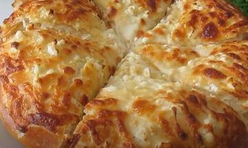 Αφράτη σπιτική πίτσα με χειροποίητη ζύμη (vid)