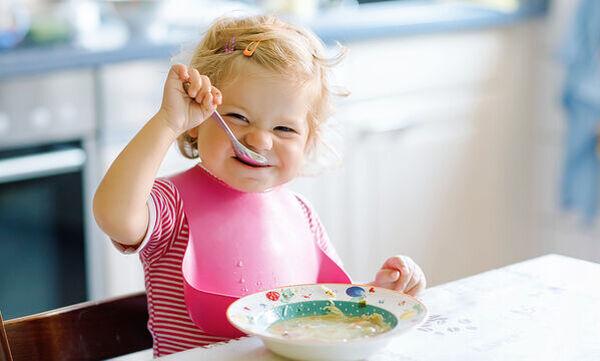 Εννέα θρεπτικές συνταγές για μωρά 12 μηνών (vid)