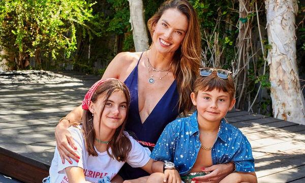 Alessandra Ambrosio: Έχετε δει τα παιδιά της; Της μοιάζουν καταπληκτικά